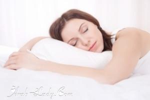 النوم على البطن السبب الرئيسي لترهله وظهور الكرش