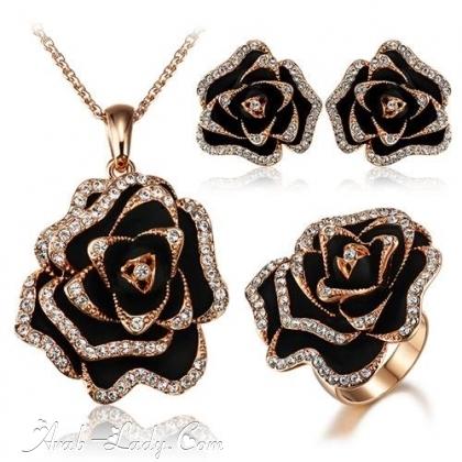 ارقى المجوهرات المرصعة بالاحجار الكريمة 140178431051.jpg