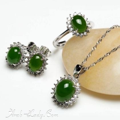 ارقى المجوهرات المرصعة بالاحجار الكريمة 140178431099.jpg