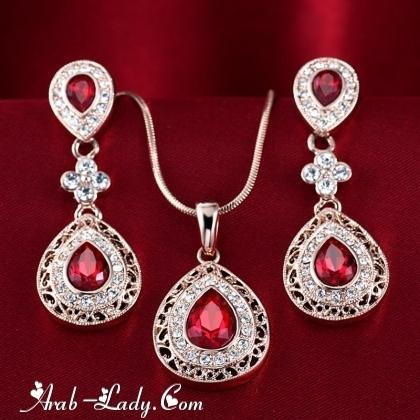 ارقى المجوهرات المرصعة بالاحجار الكريمة 140178431345.jpg