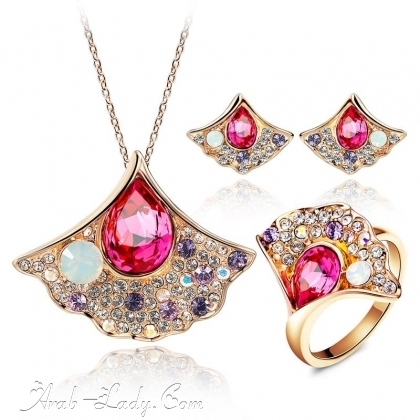 ارقى المجوهرات المرصعة بالاحجار الكريمة 140178433599.jpg