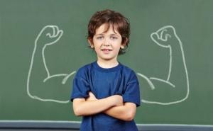 كيف تُعلّمين طفلك أن يُدافع عن نفسه في غيابكما؟