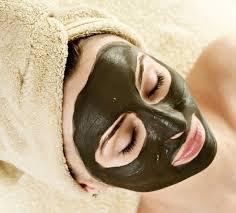 ماسك الفحم... العلاج الجديد لجميع أنواع البشرة !