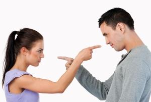 حيل للتعامل مع الزوج البخيل ... إتبعيها !