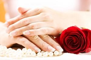 5 وسائل لتبييض اليدين سريعًا قبل المناسبات