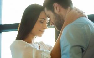 كيف تجعلين زوجكِ مجنونًا بك بخطوات سهلة .. اتبعيها !