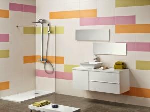أناقة حمامك تتميز باعتماد جمالية الألوان الفاتحة