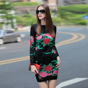 تشكيلة راقية من الملابس الصيفية بلمسة الزهور لتتألقي
