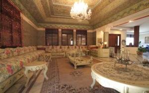 الصالون المغربي أناقة تملئ المنزل رقيا وفخامة