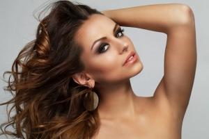 عالجي تساقط شعرك مع وصفة فعالة خلال شهر واحد