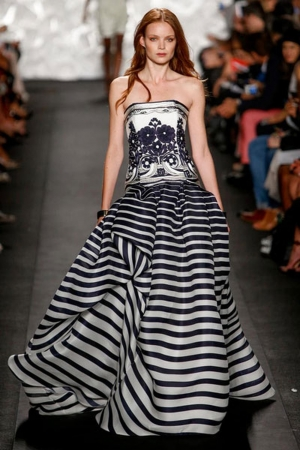 تشكيلة مميزة من الفساتين بخامة المونوكروم لتتألقي في إطلالاتك