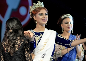 ميا العلوي تحصد لقب أفضل عارضة أزياء مغربية