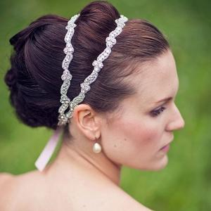إكسسوارات الرأس تمنحك وأنت عروس أناقة وجاذبية مميزة