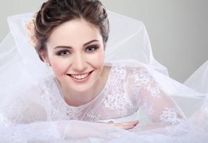 وصفة هائلة تمنح العروس بشرة ناصعة البياض في وقت وجيز