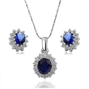 الحجر الأزرق لمسة تميز إطلالتك الصيفية في المجوهرات الراقية