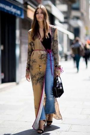موضة الكارديجان الحرير تقتحم ساحات الموضة العالمية من جديد
