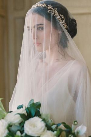 طرحة العروس لمسة راقية تميز إطلالتك في يوم الزفاف بكل جاذبية