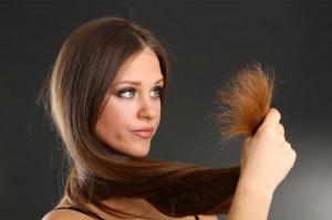 اقضي على الأطراف المتقصفة في شعرك دون قصه