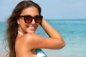 خلطة تساعدك على استعادت لون بشرتك الأصلي بعد عطلة الصيف