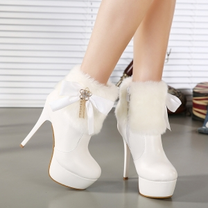 أحذية الكاحل جمالية تمنحك الرقي والأناقة في الخريف
