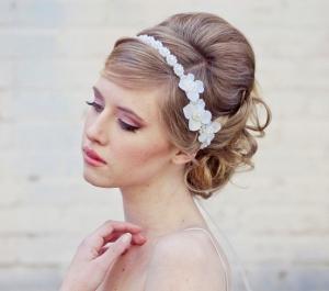 إكليل العروس لمسة أنيقة تمنحك التميز في يوم زفافك