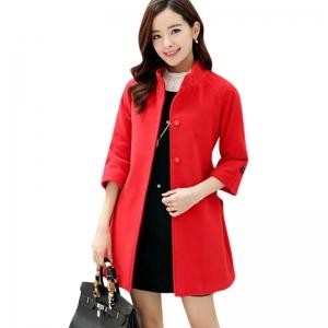 الأحمر أناقتك المميزة في مجموعة من الملابس الخريفية لهذا الموسم