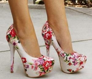 الورود وألوانها المميزة صيحة تميز حذاءك الخريفي لموسم 2016