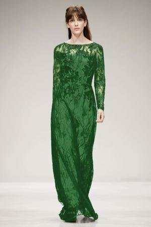 إطلاق مجموعة من الفساتين للمحجبات لإطلالة خريفية ناعمة من نيويورك