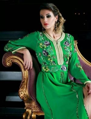 الأخضر أناقتك المميزة في تصاميم القفطان لموسم شتاء 2017