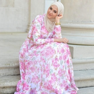 طبعات الورود تزيين تصاميم المحجبات لموسم ربيع 2017