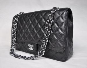 الحقيبة الكلاسيكية موضة راقية تجعلك متميزة في إطلالاتك المتنوعة