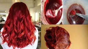 أصول تطبيق حنة الشعر على الطريقة الخليجيّة