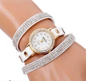 الأبيض جمالية تزيين ساعتك اليدوية في موسم خريف 2016
