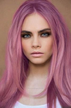 اختاري اللون الوردي في شعرك لإطلالة ربيعية في موسم 2017