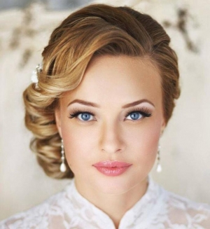 لمسة الماكياج الناعم أناقة تميز إطلالة العروس لموسم ربيع 2017