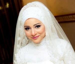 ربطات راقية للعروس المحجبة تزيدها جاذبية متألقة في يوم زفافها