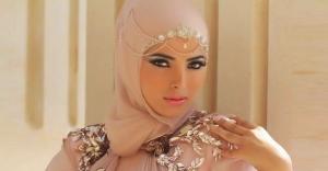 اختاري إكسسوارات الرأس لتتألقي بحجابك في مختلف الإطلالات