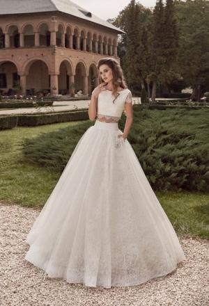 تألقي بصيحة فساتين العروس الكاجوال في موسم 2017