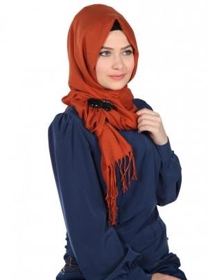 تميزي في حجابك الشتوي مع هذه الموديلات الراقية من اللفات