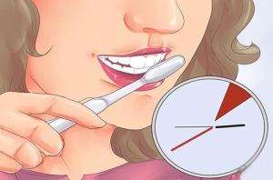 طريقة تبيض الاسنان بخلطات طبيعية من منزلك