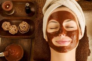استخدمي ماسك الشوكولاطة لتبييض بشرتك والتميز بجمالها