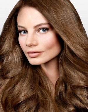 تميزي في إطلالاتك بجمالية اللون البني في شعرك باعتماد خلطات طبيعية