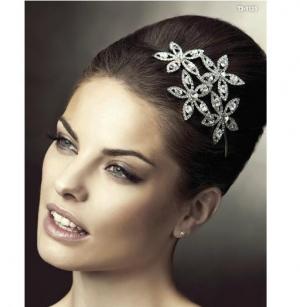 تألقي وأنت عروس مع إكسسوارات الشعر التي تزيدك جمالا وأناقة مثالية