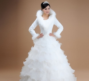 طرح تشكيلة مميزة من فساتين الزفاف الشتوية لأناقة مميزة في 2017