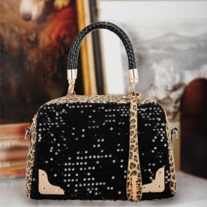 حقائب جلد الفهد تتربع على عرش موضة الحقائب الخاصة بربيع 2017