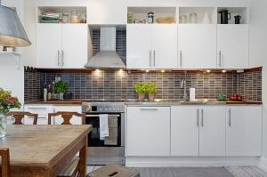 امنحي مطبخك أناقة مثالية ومميزة باعتماد لمسات الأبيض الناصع