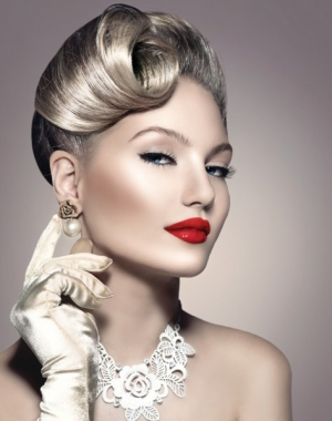 امنحي شعرك الأناقة التي ترغبين فيها مع تسريحة الريترو الكلاسيكية