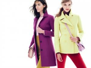 تألقي بجاذبية مع المعطف الربيعي بجمالية ألوانه الفاتحة