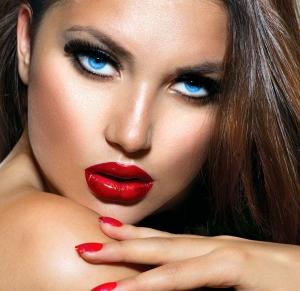 أناقة أحمر الشفاه الفاقع جاذبية تزيد إطلالاتك نعومة وتميزا