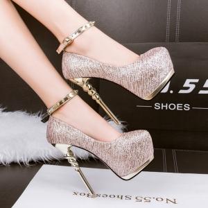طبعات جلد الحيوان تعطي الأحذية الربيعية أناقة مثالية لكل النساء